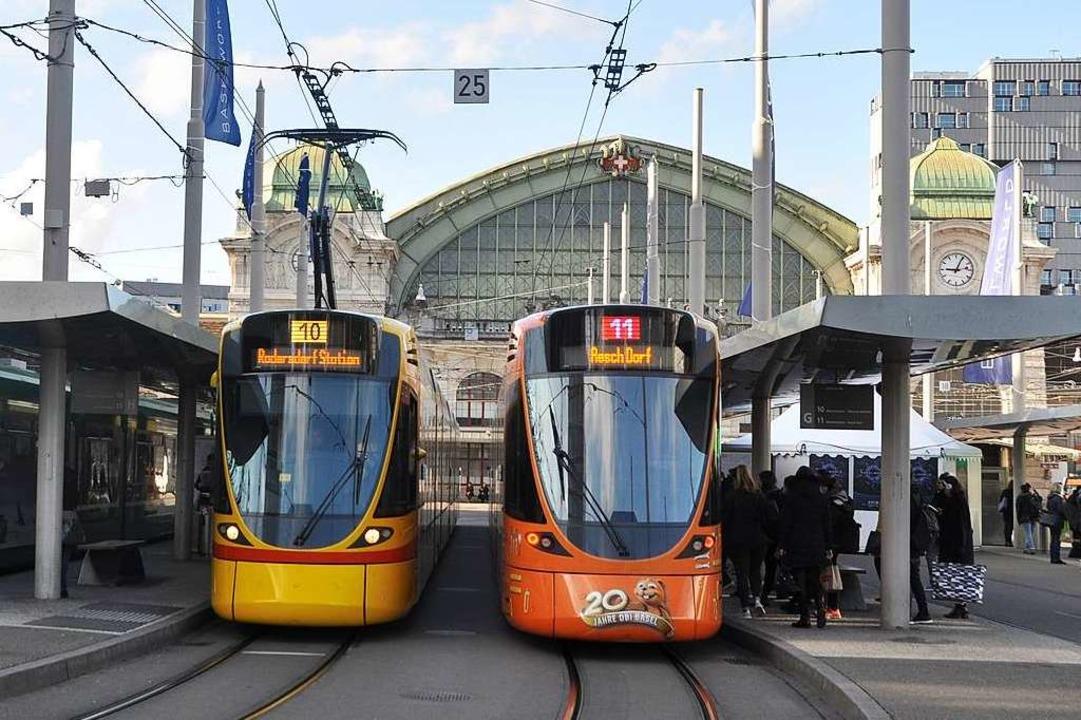 "Nah- und Fernverkehr sollen an ""...lbahnplatz vor dem Basler Bahnhof SBB.  | Foto: Daniel Gramespacher"