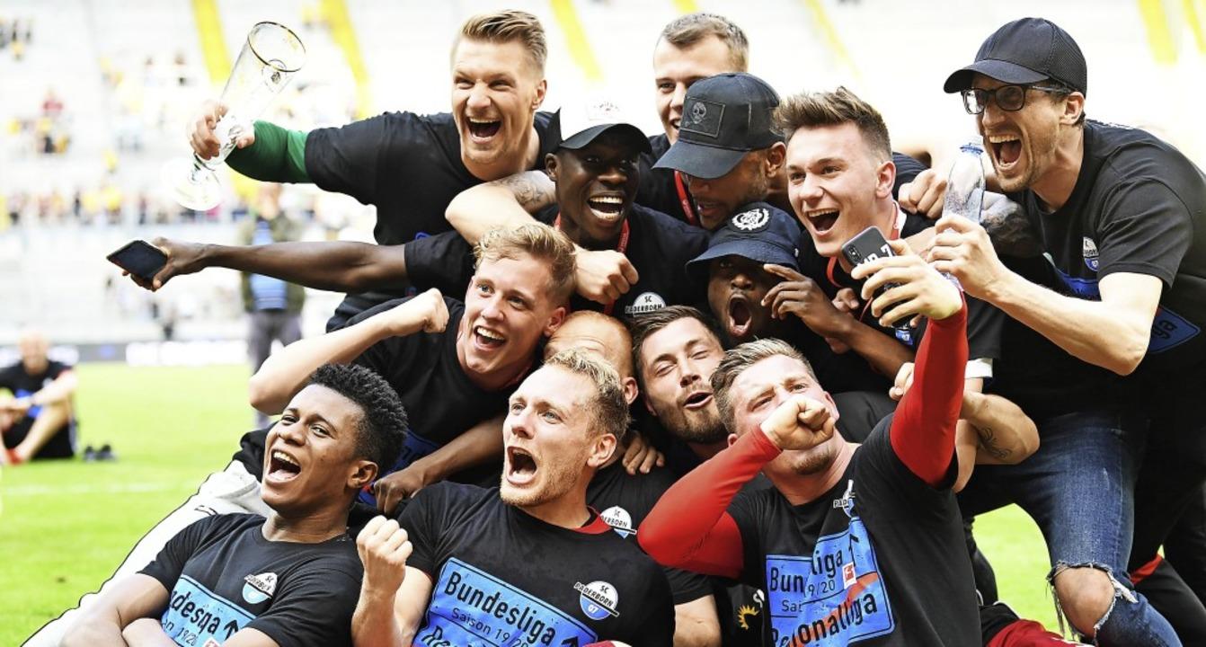 Die schönste Niederlage der Vereinsges...3 in Dresden zurück in die Beletage.    | Foto: Robert Michael (dpa)