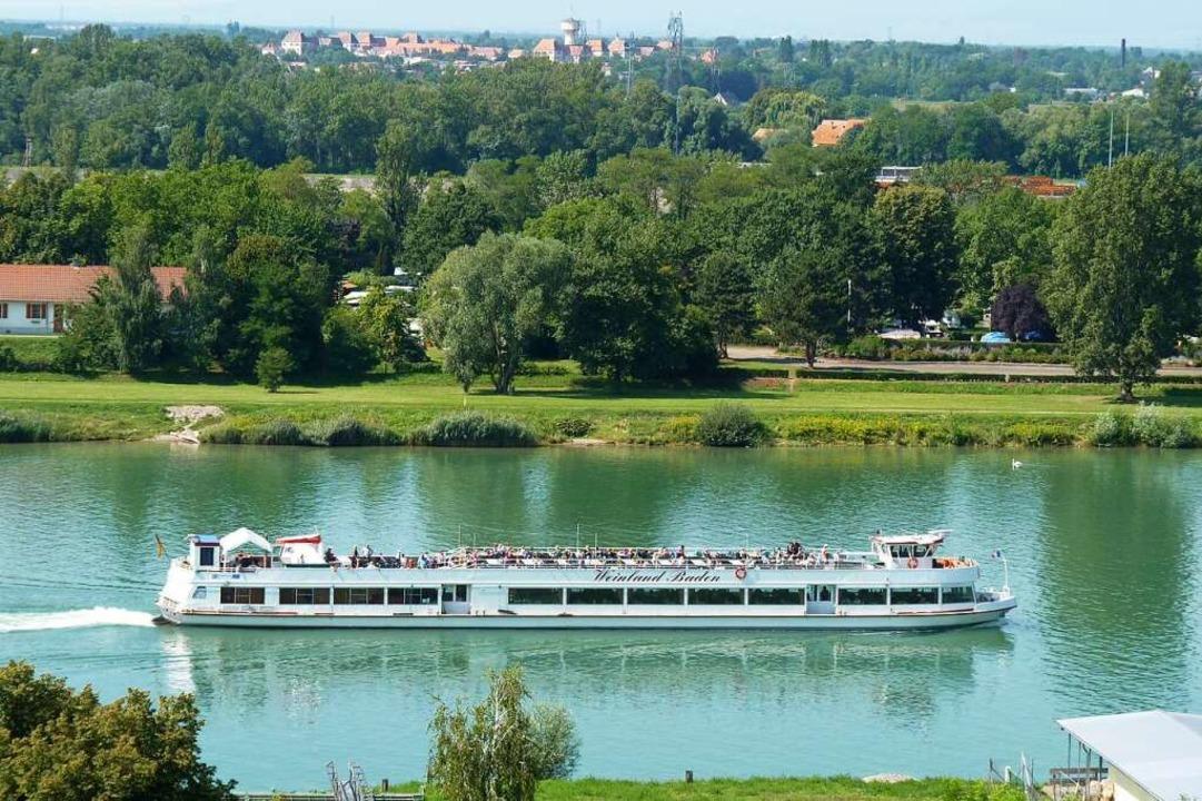 Unterwegs auf dem Kanal    Foto: Breisacher Fahrgastschifffahrt