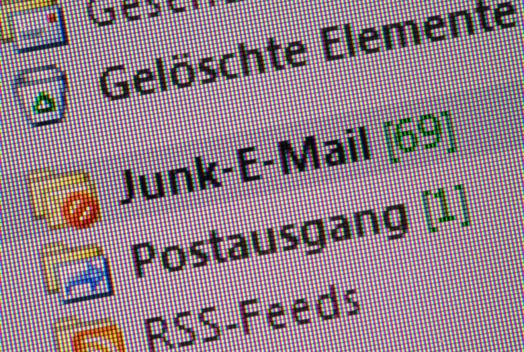 Nervig: Spam-Nachrichten  | Foto: Andrea Warnecke (dpa)