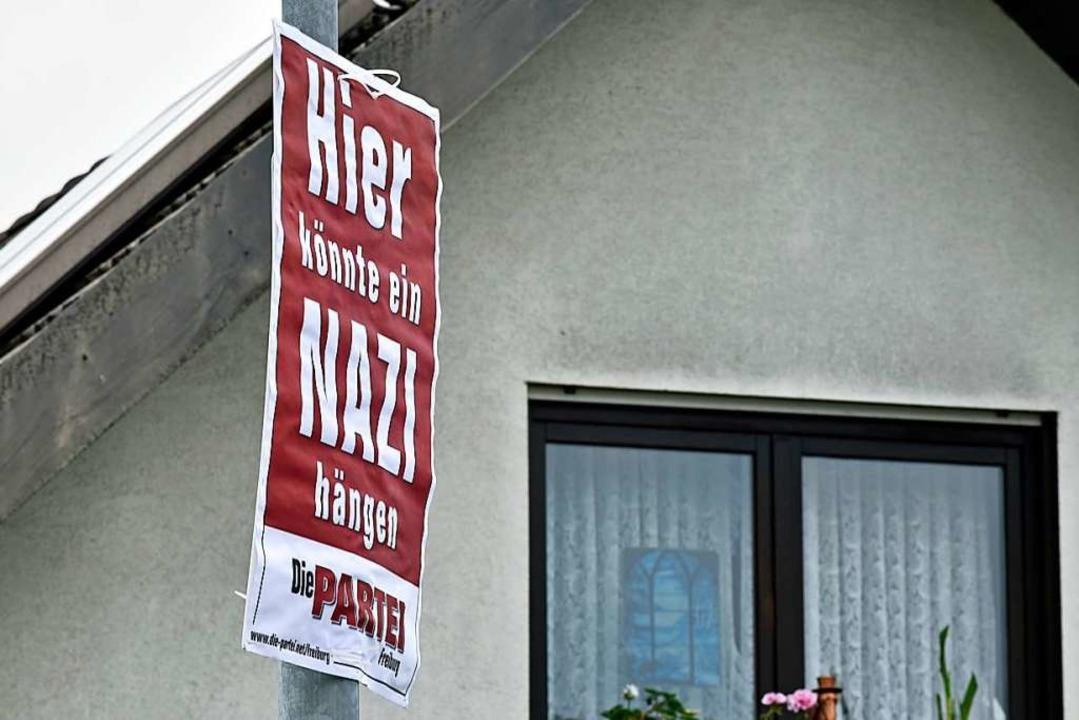Plakat vor dem Haus von AfD-Kandidat Thomas Müller.  | Foto: Michael Bamberger