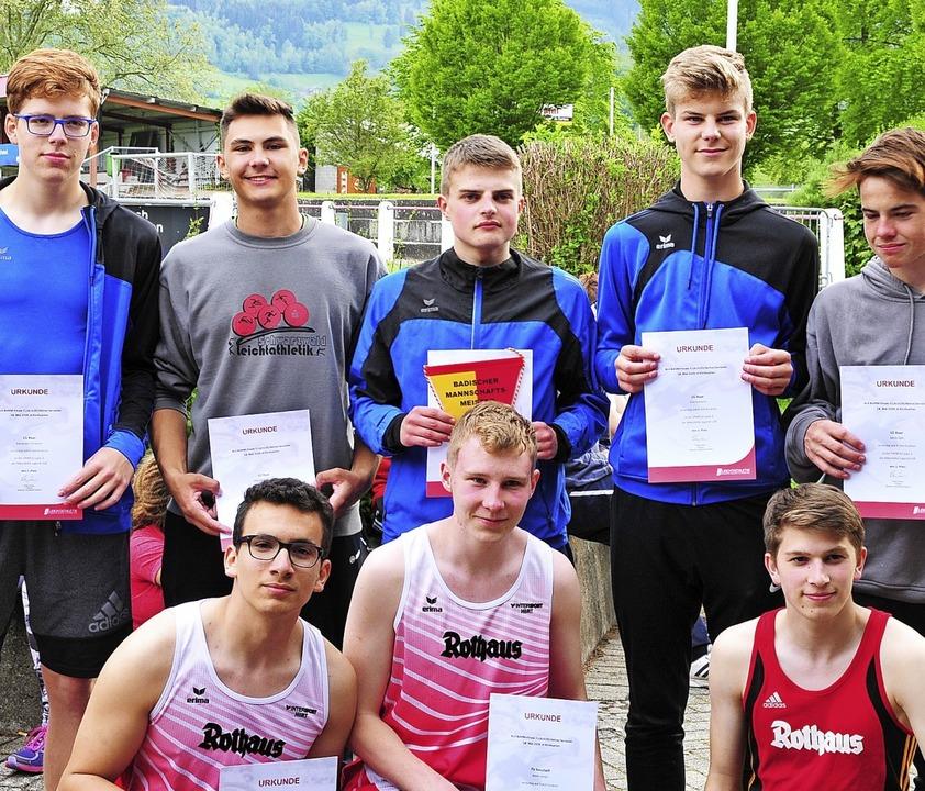 Siegertypen: Die U-18-Leichtathleten d...nisse.<BZ-Foto>ottmar heiler</BZ-Foto>