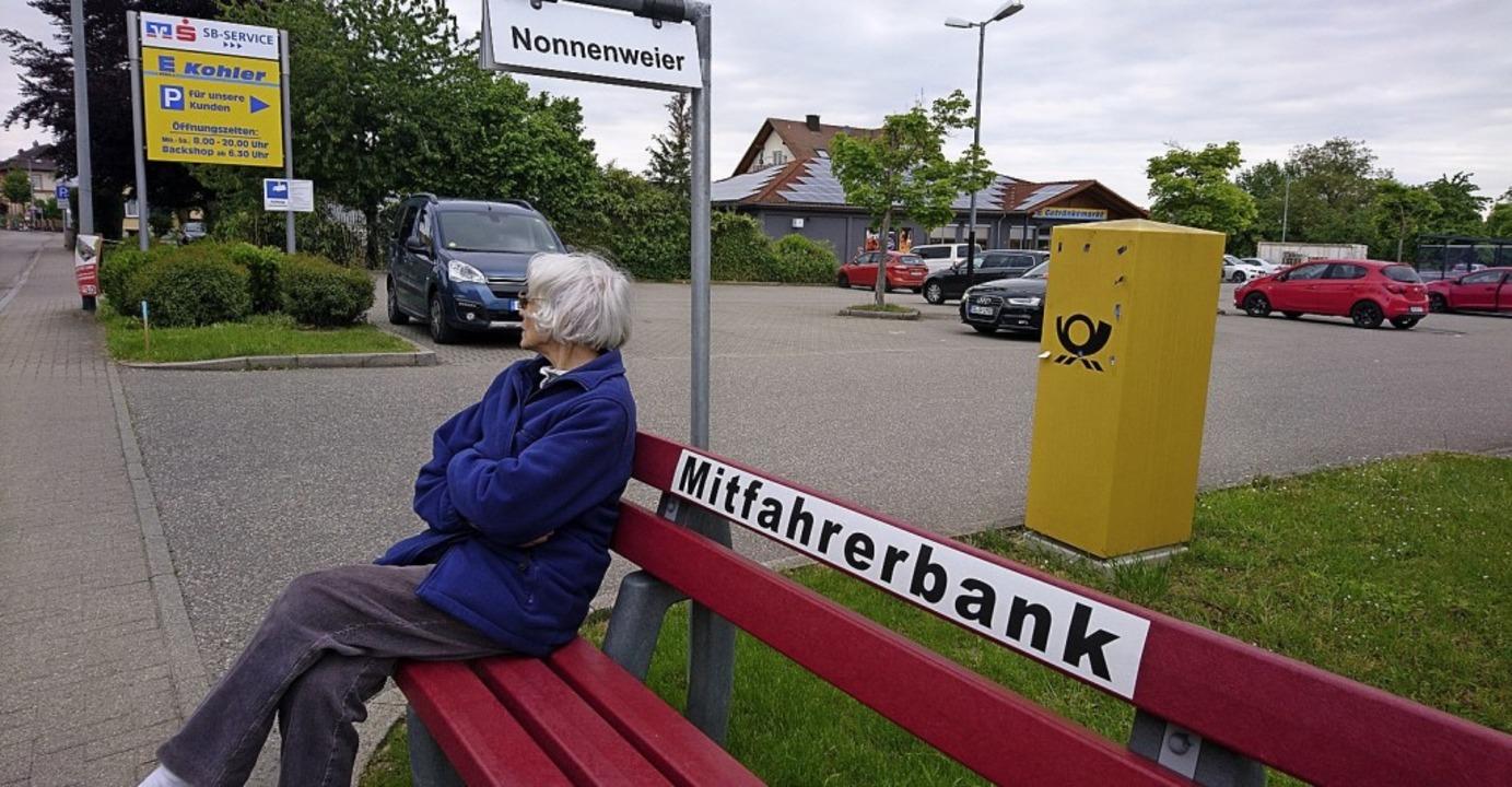 Eine Mitfahrerbank, wie es sie zum Bei... verbessern, finden die Freien Wähler.    Foto: Sebastian Barthmes