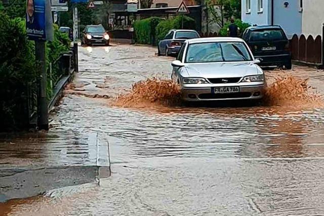 Auch in Hochdorf stand am Montag Wasser auf den Straßen