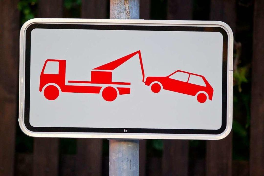 Von Abschleppen falsch geparkter Fahrz...nderat jetzt beschlossen (Symbolbild).  | Foto: Daniel Karmann