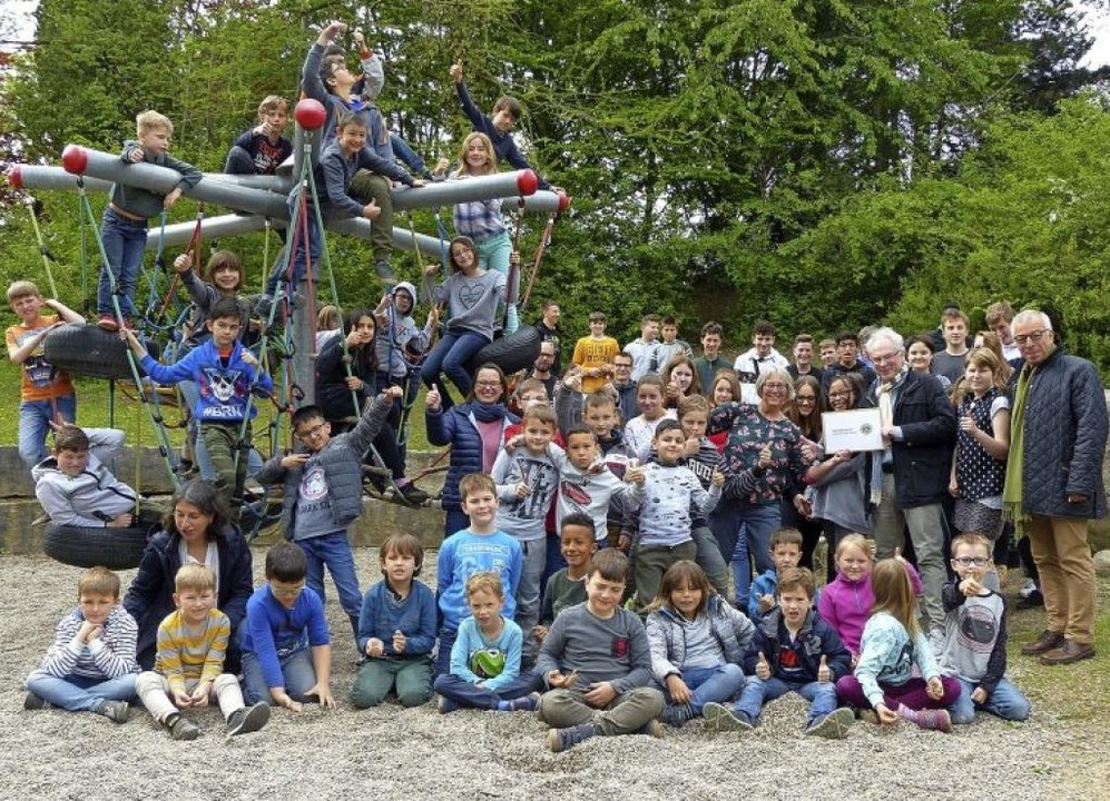 <BZ-FotoAnlauf>Lions Club:</BZ-FotoAnlauf> Spende für Schulprojekt   | Foto: Lions-Club