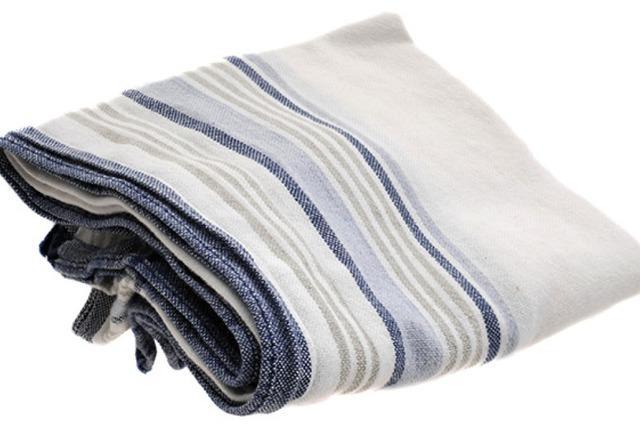 Stofftaschentücher und Zahnputztabletten
