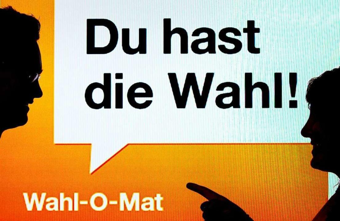 Derzeit ist der Wahl-O-Mat außer Betrieb.  | Foto: Peter Kneffel (dpa)