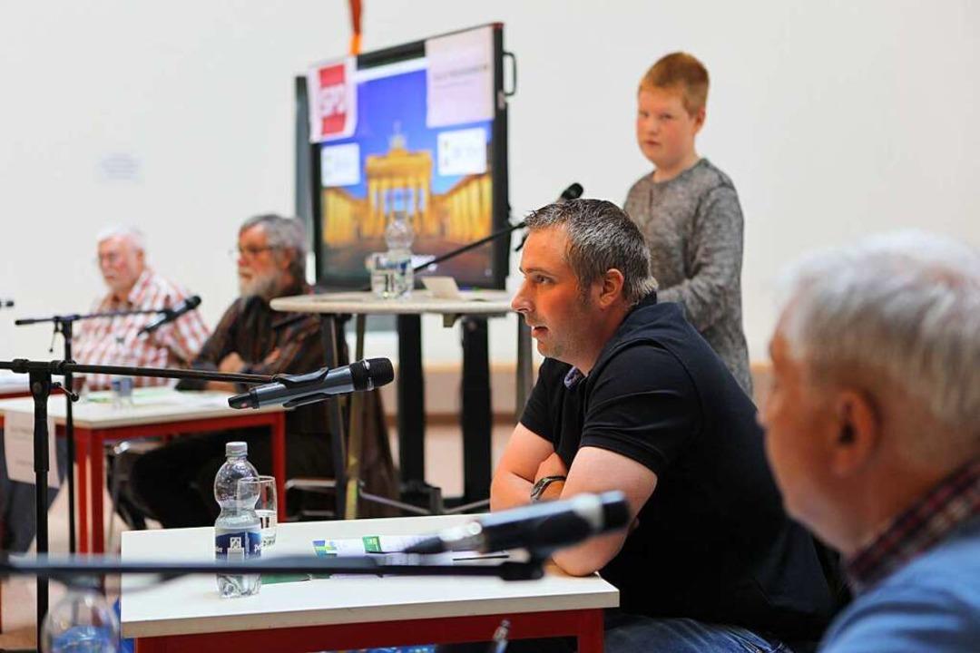 Auf dem Podium saßen Fred Kletzin, Jos... Pascal Berghausen stellte die Fragen.  | Foto: Bastian Bernhardt