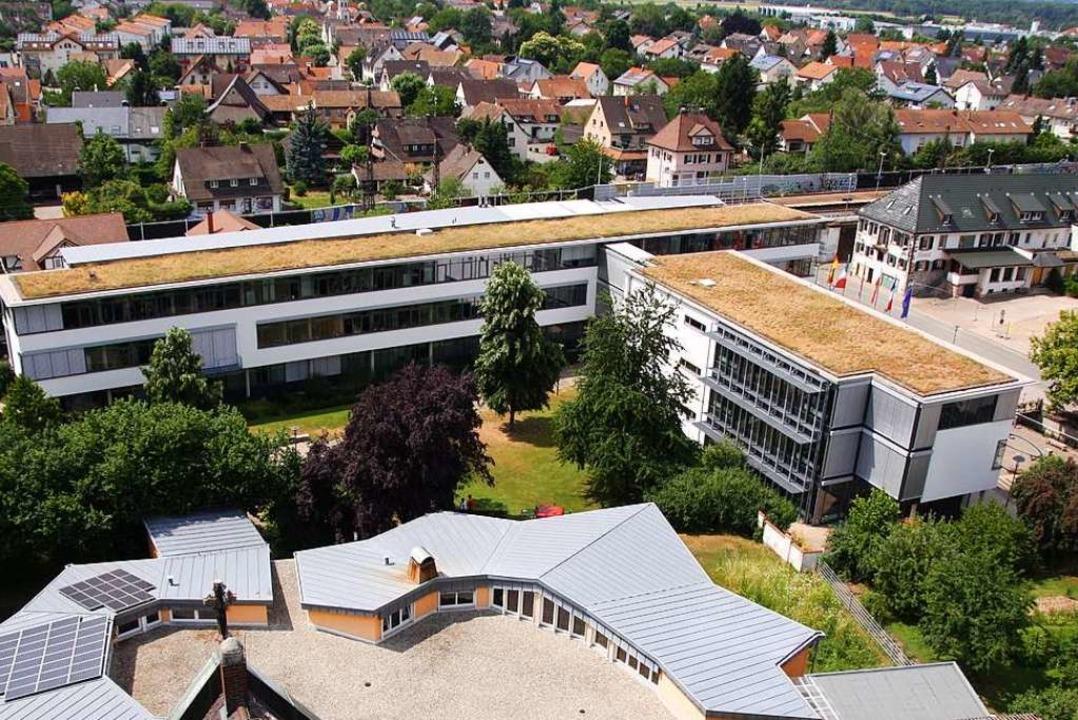 Wer zieht in den Denzlinger Gemeindera...Denzlinger Rathaus aus dem Jahr 2017)?  | Foto: Max Schuler