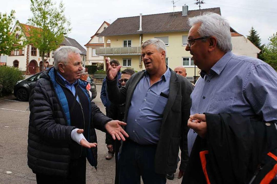 Wort- und gestenreich ging es beim Dor...er vom Ortssippenbuch-Arbeitskreis zu.  | Foto: Bastian Bernhardt