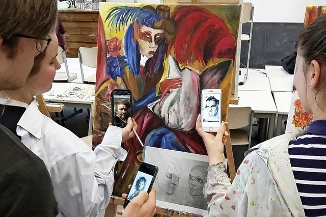 Im Kunstunterricht dürfen Waldshuter Schüler ihre Smartphones benutzen