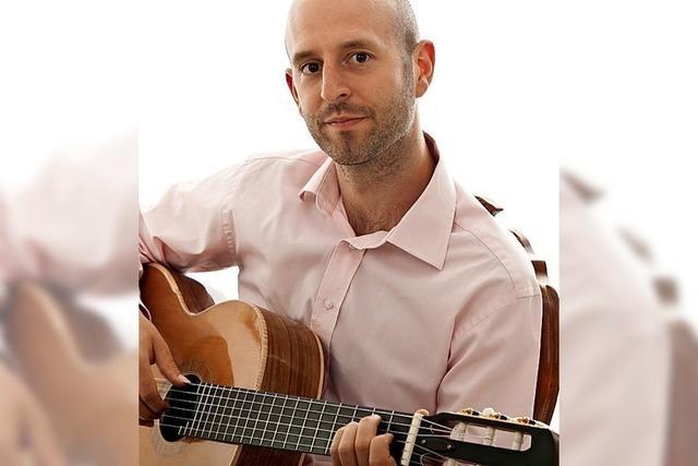 Der Klangkünstler an der Gitarre Rossini Hayward gibt ein Konzert mit eigenen Arrangements und Kompositionen in Glottertal