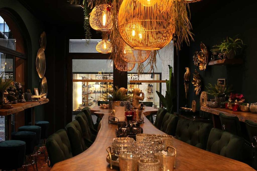 Das Holy Moly Café hat erst seit ein p...gen in der Schusterstraße 34 geöffnet.  | Foto: Emma Tries