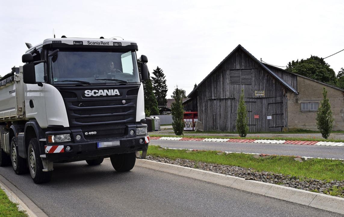 Wo sollen die Lkw hin und wie soll sic...Sonntag in Hartheim zur Wahl stellen.   | Foto: Frank Schoch