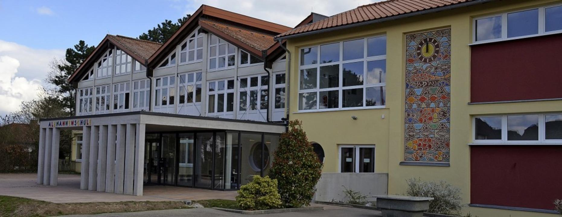 Frisch saniert, nur die Heizung (noch) nicht: Die Alemannenschule in Hartheim    | Foto: Gabriele Hennicke