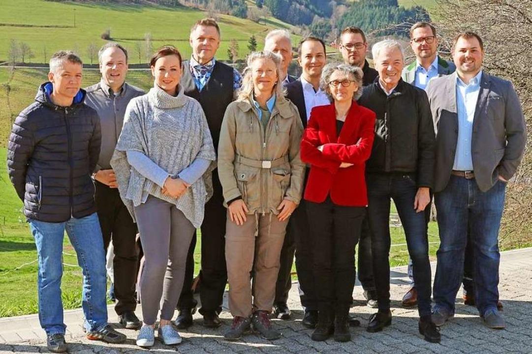 Die Kandidatinnen und Kandidaten der Freien Wählervereinigung    Foto: Heinz-Wilhelm Heine