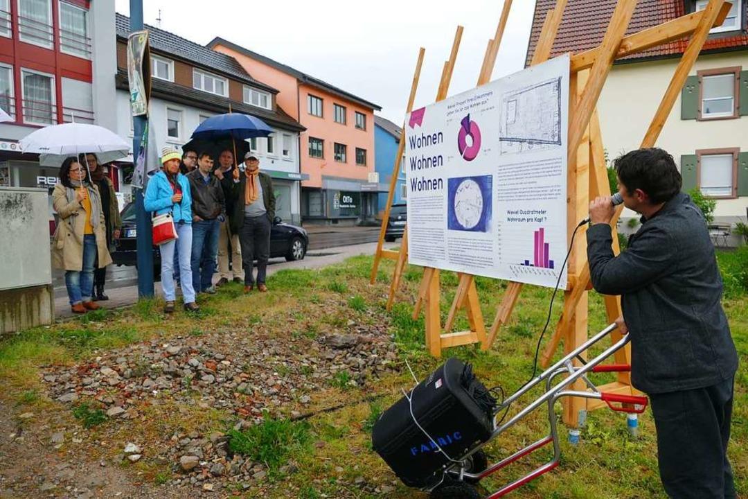 Vorstellung im Regen.  | Foto: Sabine Ehrentreich