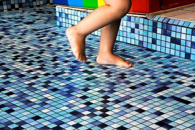 Kinder kommen nicht umsonst ins Denzlinger Schwimmbad