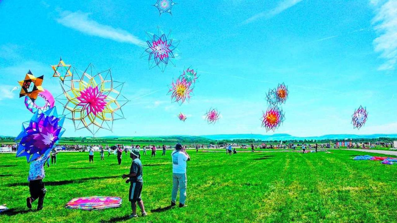 Einen Himmel voller tanzender Drachen ...hentagen in Donaueschingen am Samstag.    Foto: Privat