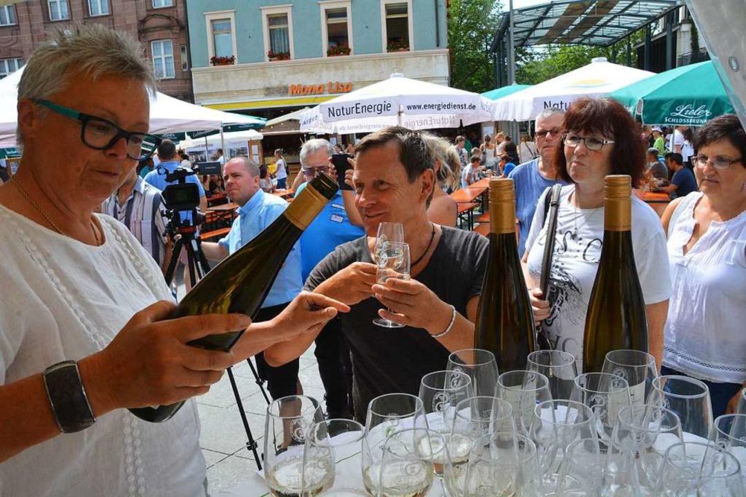 robieren geht beim Lörracher Weindorf über Studieren.    Foto: Barbara Ruda