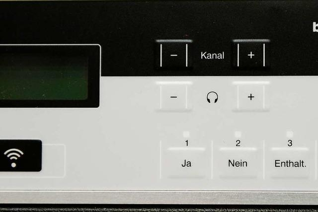 Räte in Freiburg stimmen jetzt per Knopfdruck ab