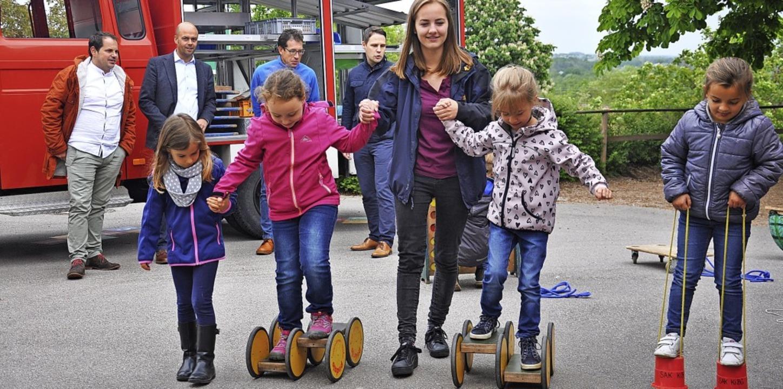 Zu Gast an der Sonnenrainschule in Rhe...alter und Schulleiter Marius Grether.   | Foto: Jutta Schütz