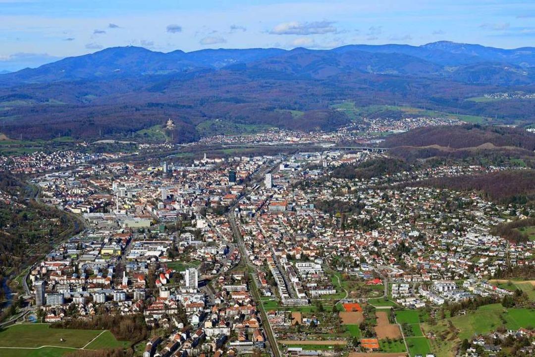 Die Stadt Lörrach ist ein immer teurer... – das gilt auch für Immobilien.  | Foto: Erich Meyer