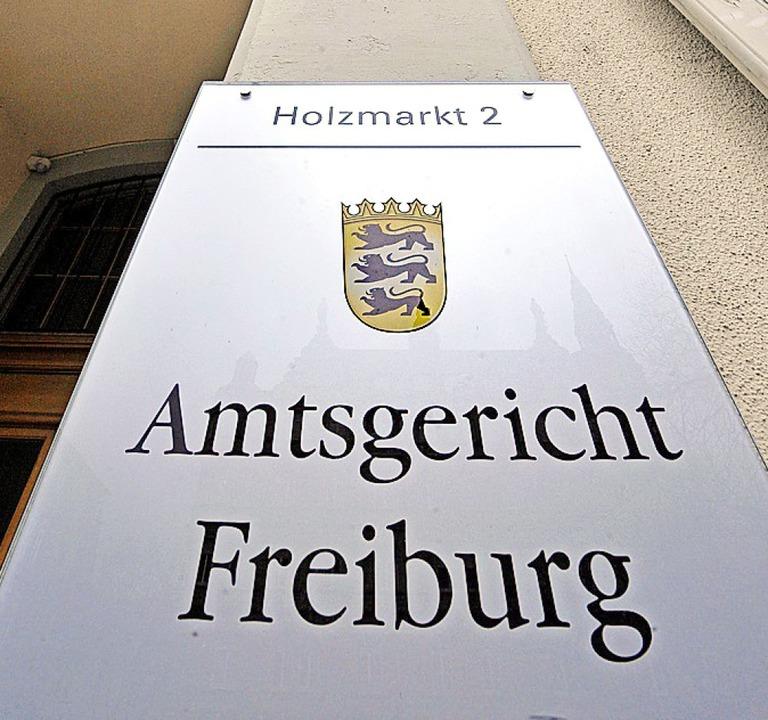 Schild am Amtsgericht Freiburg  | Foto: Michael Bamberger