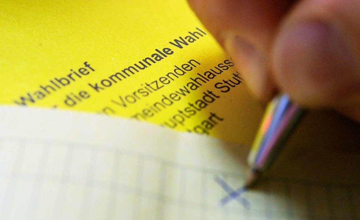 Rund 180.000 Menschen dürfen am Sonntag im Kreis Lörrach wählen.  | Foto: Sebastian Gollnow (dpa)