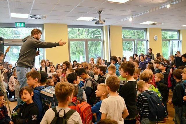 Rheinfelder Grundschüler sind die Stars in ihrem eigenen Musikvideo