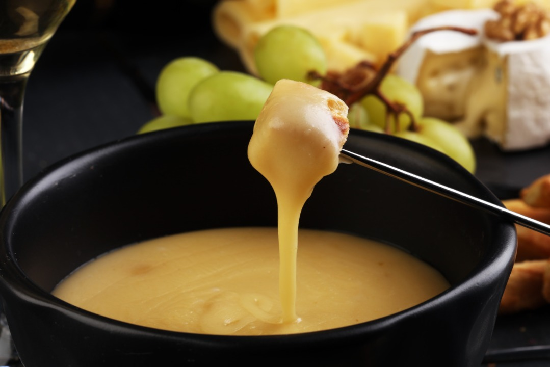 Käsefondue in der Gondel essen, ist bald am Feldberg möglich.  | Foto: beats_ - stock.adobe.com