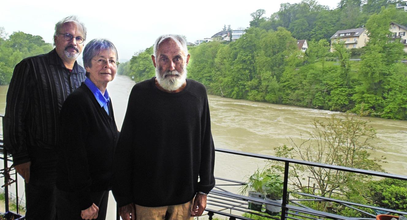 Gegen einen Steg der Laufenburger Acht...tina Zinder und Leo Balmer (von links)  | Foto: Michael Gottstein