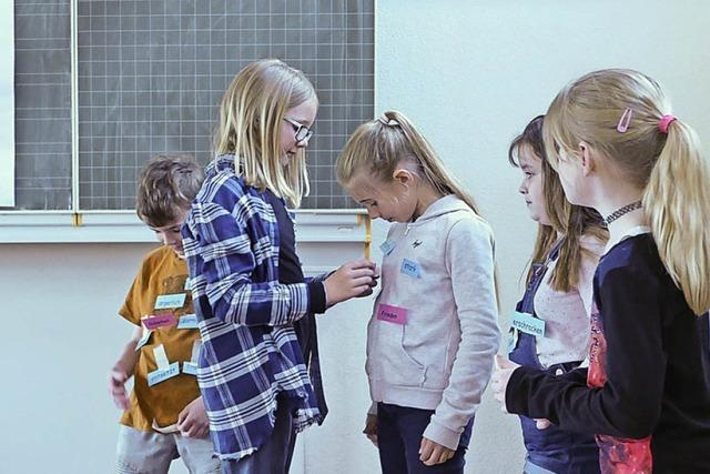 Warum Eimeldinger Schüler statt Streitschlichtern Friedensträger wurden