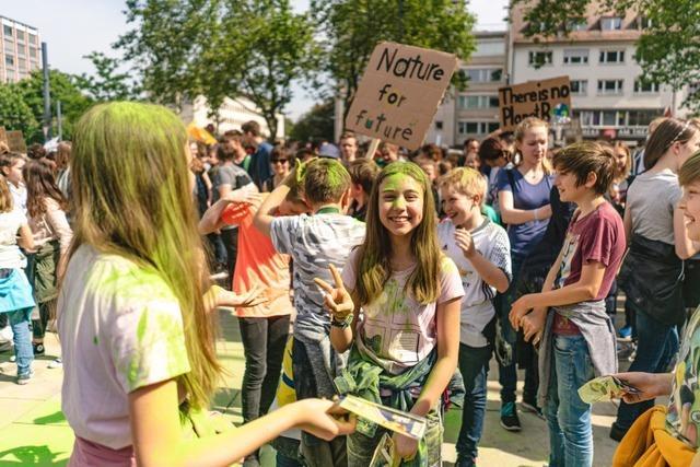 Rund 10.000 Menschen demonstrierten bei Fridays for Future in Freiburg