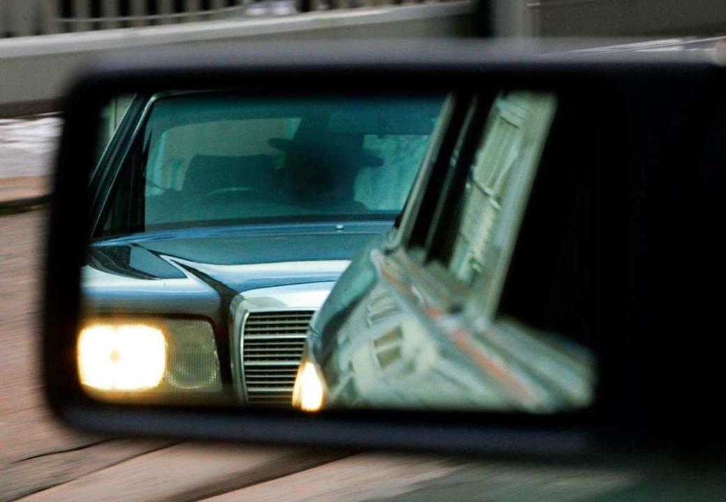 Gedrängelt hat ein Autofahrer am Freit...n ist, sucht nun die Polizei nach ihm.  | Foto: Rainer Jensen