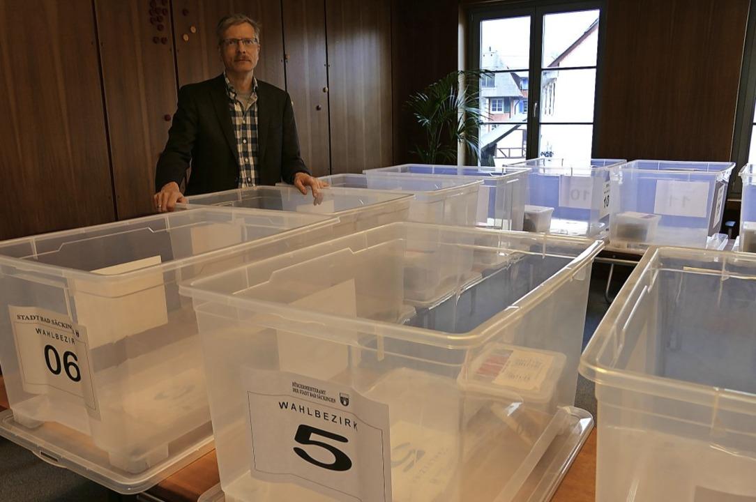 Noch sind die Kisten leer, in denen am...iter Markus Haag alle Fäden zusammen.   | Foto: Axel Kremp