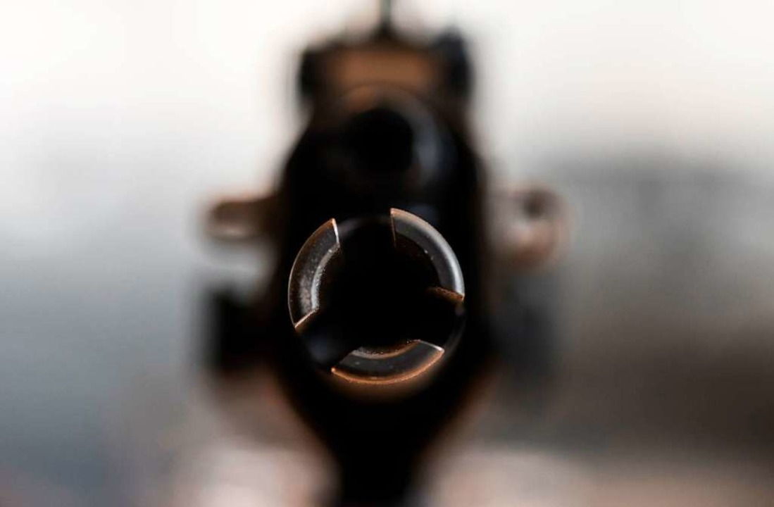 Ein Sturmgewehr der Firma Heckler &amp...dem baden-württembergischen Oberndorf   | Foto: Patrick Seeger
