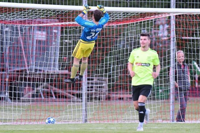 Freiburger FC bleibt nach Kantersieg im Titelrennen