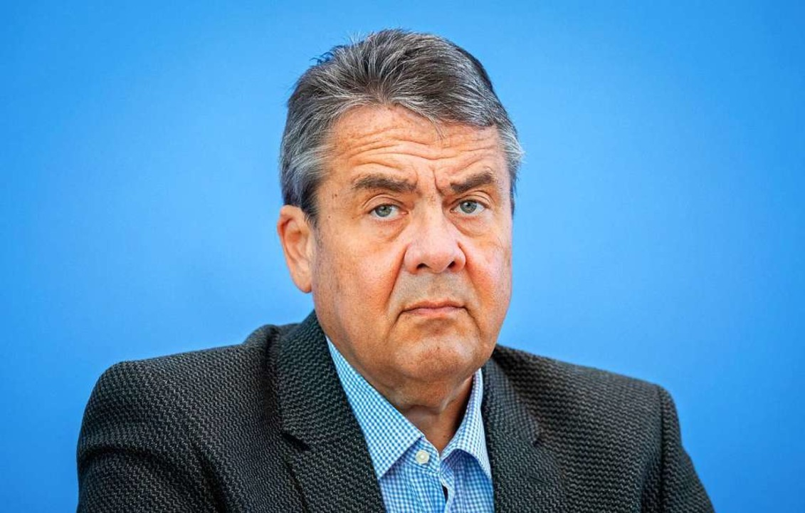 Müde? Sigmar Gabriel Anfang Mai  | Foto: Kay Nietfeld (dpa)