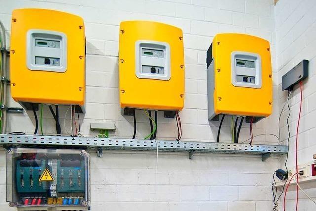 Photovoltaikanlage mit Stromspeicher kombinieren: Experten raten ab