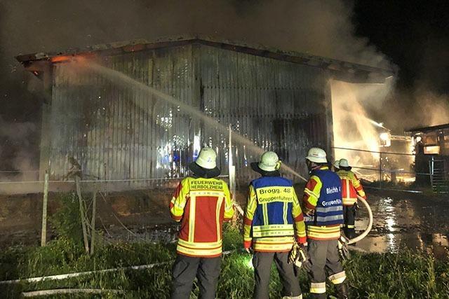 Scheune bei Herbolzheim brennt ab - 300.000 Euro Sachschaden