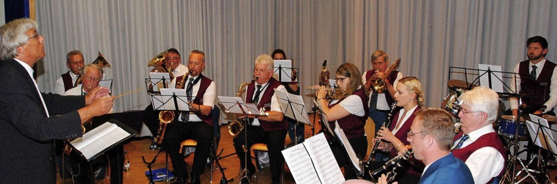 Die Premiere unter  Dirigent Michael G...m Eisenbahner Musikverein mit Bravour.  | Foto: Norbert Sedlak