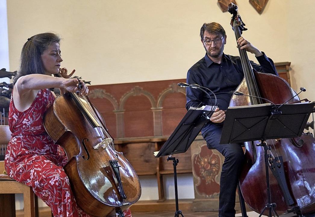 Ein echtes Hörerlebnis: das Duo Ana He...lo) und Bernd Schöpflin am Kontrabass   | Foto: Andre Castellanos