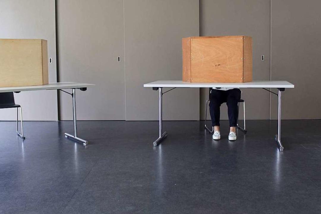 Theoretisch hätten 526 Tumringer  ihre...uf den Wahlzetteln hier machen können.  | Foto: Joshua Kocher