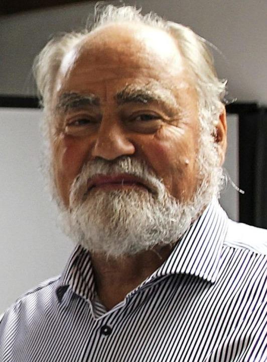 Turnabteilungsleiter Hans Herdt erhiel... Ehrennadel für besondere Verdienste.   | Foto: privat