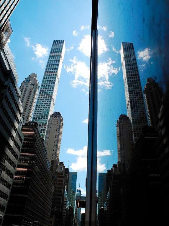 Dünne, lange Hochhäuser prägen das neue Stadtbild New Yorks.  | Foto: Benno Schwinghammer (dpa)