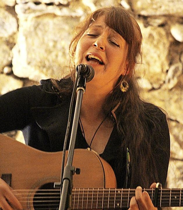 Theresa Dolds Lieder erzählen von Sehnsucht und Heimweh.   | Foto: Martin Klabund