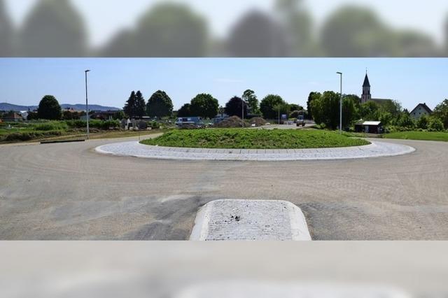 Neuer Kreisverkehr bei Wyhl