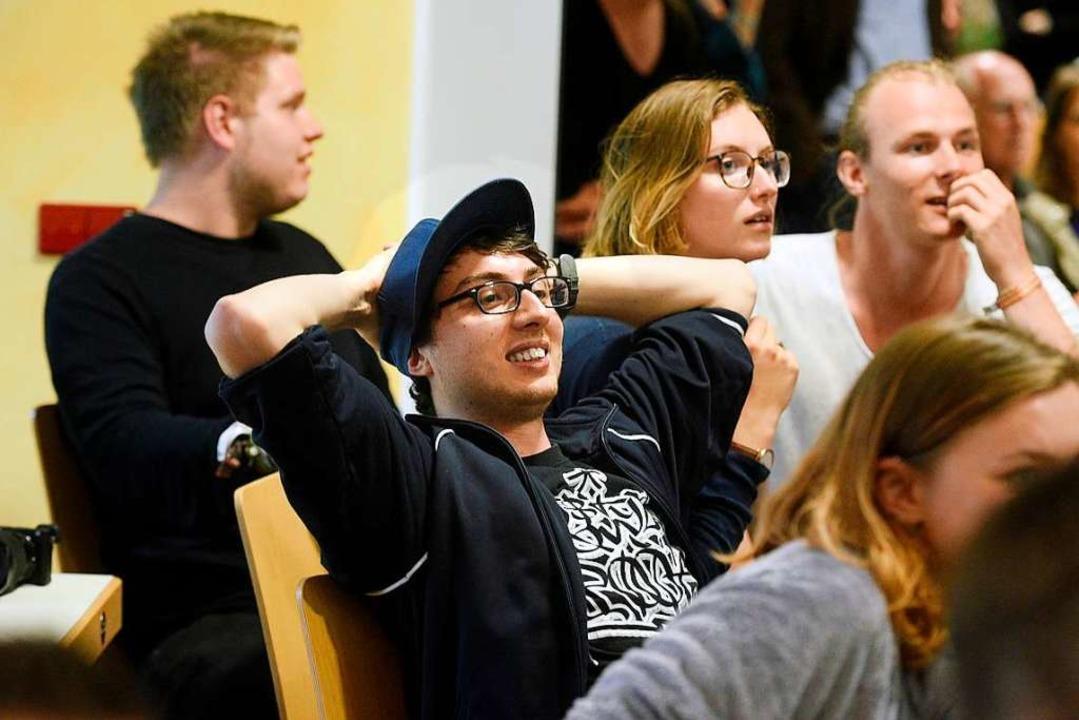 Lehnt sich entspannt zurück: Sergio Sc...ges Freiburg konnte zwei Sitze halten.  | Foto: Thomas Kunz